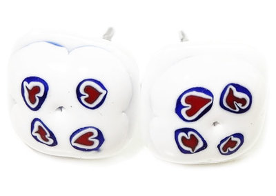 RVS Oorknopjes met rood-wit-blauwe hartjes in het glas!