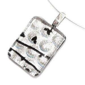 Zilveren glazen hanger met prachtig RVS/edelstaal oogje voor aan een ketting.
