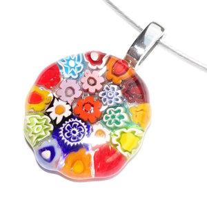 Kleurrijke ronde glashanger met RVS oogje. RVS hanger met kleurrijk handgemaakt glasfusing kunstwerkje.