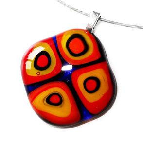 Millefiori glashanger met rood-geel-blauwe cirkels!