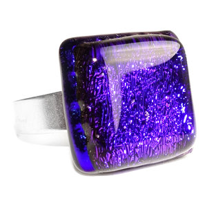 RVS edelstaal ring met blauw dichroide glazen cabochon