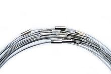 Zilver/grijze spang ketting met draaisluiting in 43 cm lengte