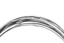 Zwarte spang ketting met magneetsluiting, 51 cm. lengte. Wisselketting met magnetisch slot voor glashangers.