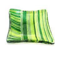 Klein groen schaaltje met groene strepen in het glas. Uniek vierkant theetipje van groen glas.