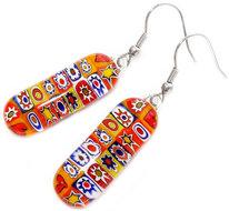 Lange handgemaakte glazen oorbellen met geel-oranje-rode millefiori figuurtjes!