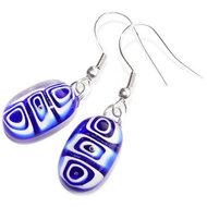 Handgemaakte blauwe oorbellen van blauw en wit glas. Oorbelhaakjes naar keuze! 925 Sterling Zilver, Chirurgisch Staal of Verzil