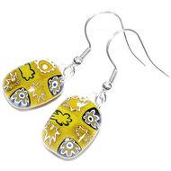 Handgemaakte okergele oorbellen gemaakt van diverse kerriegeel glas.