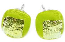 Handgemaakte groene oorknopjes van groen glas en dichroide glas! RVS oorstekers!