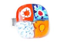 Ring van blauwe en oranje glazen millefiori