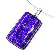 Luxe effen blauwe glashanger gemaakt van prachtig glas met een speciale gloed! Hanger voor aan een halsketting.