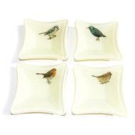 Set van 4 glazen schaaltjes met tuinvogels; een roodborstje, mus, spreeuw en een pimpelmees.
