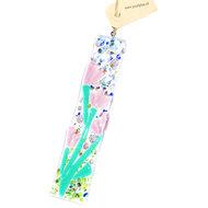 Langwerpige glazen raamhanger van helder glas met paarse bloemen en vele kleurrijke details!