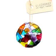 Ronde kleurrijke raamhanger van glas. Glazen decoratie voor de muur, ramen of tuin. Unieke glasfusing hanger
